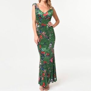 NWT Unique Vintage Goldwyn Gown - Medium